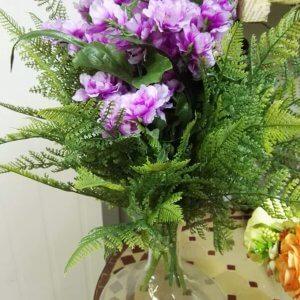 זר בסגנון טבעי פרחי משי ושרכים