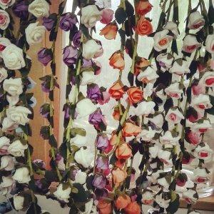זר ליום הולדת לראש מפרחים מלאכותיים